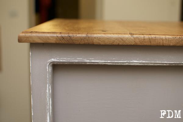 détails moulures meuble